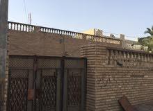 بيت طابق واحد يحتوي على  3  غرف وهول وديوانيه ومطبخ بناء قديم  المساحة 320العنوا
