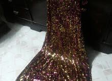 فستان  يلمع