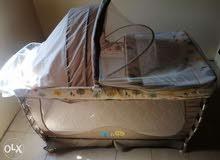سرير جديد كامل بكل اغراضه ثلاث طوابق من عمر 0 لعمر 5 سنوات سعره 450 الف لبناني