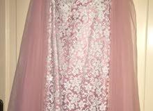 فستان وردي وابيض مقاس 18