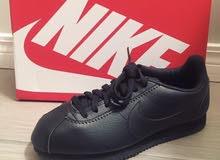 جزمة نايك كلاسيك كورتيز جلد لون اسود / nike classic cortez leather black