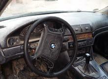 سيارة نوع BMW 523 بحالة جيدة