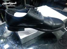 13,000 حذاء عسكري بنصف سعر التكلفة