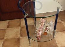 طاولة زجاج للضيافة المشروب