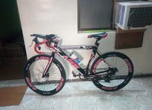 دراجة سباق هوائيه مصنوعه بالكامل من المعدن