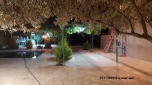 مزرعة مع مسبح للايجار يومي اسبوعي(احمد المصري 0797506455)منطقة ابو نصير قرب صحارى مول
