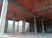 المساحة الجملية للمنزل 300م  منها 130م مغطات
