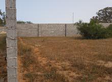 قطعة ارض للبيع مسحتها 1260م على طريق قطران  قريبة عن ساحلي