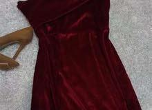 فستان سوارية قطيفة