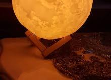 قمر مضيء