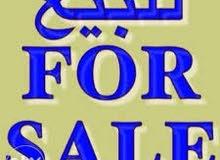 للبيع مجمع تجاري استثماري مميز على شارع رئيسي للخدمات ... بسعر 750 الف دينار