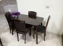 طاولة مع 4 كراسي ماليزي نخب