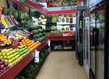 * للبيع محل خضروات و فواكة بالمحرق بكامل الثلاجات و الأرفف و الميزان الكهربائي و