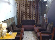 شقة للاجار مؤثثةكمب سارة غرفة وصالون وحمامين شهري ب 750الف عراقي لتواصل