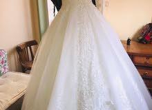 فستان زفاف بجميع مشتملاته استخدام مرة واحده