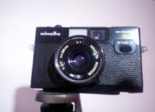 كاميرا مينوليتا بحالة الجديدة بالجراب والحامل موديل 1978 تحفة