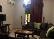 شقة بوضع ممتاز وموقع مميز جدا للبيع