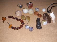 أحجار للبيع كل من وسعره للستفسار اتصل على الرقم 07709689995