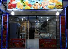 بوفيه ومحل حلويات مع معمل وغرفة عامل للتقبيل
