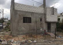 بيت عمار قائم للبيع في الحصن