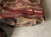 عدد 3 سجاد واحدة جديده و2 مستعمل  مع هدية دفاية مستعمل بطانية + مخداة ومقاعد ارضي عدد 2