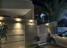 بيت مؤثث حديث للبيع في شارع فلسطين