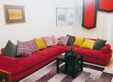 لايجار الشهري شقة غرفه وصاله ومفروشة علي شارع خليفة الرئيسي