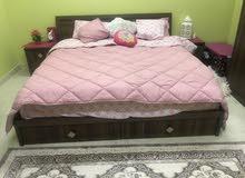 غرفة نوم شبه جديدة قليلة الاستخدام