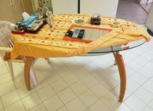 طاولة طعام زجاج