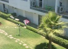 شقة رائعة مطلة على البحر للبيع بإقامة Puerto Marina دار بوعزة .