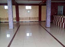 قاعة طابق ثاني وثالث للايجار على شارع 60 في الحلة