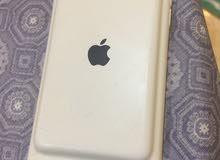 آيفون 6. 64 قيقا شبه جديد آيرلندي أصلي  أبيض بالكرتونة ومعاه جراب بطاريه
