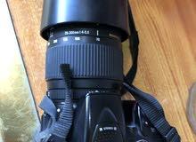 كاميرا نيكون 5300 نضيفة جداً مع كامل الملحقات اقره الوصف