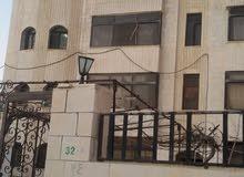 شقه مؤته الشويح  بالقرب من شارع الجامعه 180 متر
