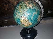 كرة ارضية بالنكليزي بحالة ممتازة