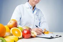 أخصائية تغذية وحميات