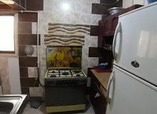 شقة مفروش للايجار في فيصل ميدان الحرفين بمحافظة السويس وبها اثنين تكيف