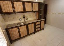 شقة سوبر ديلوكس للايجار 3 غرف نوم وغرفة عاملة  في المهبولة وللعائلات فقط