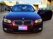 للبيع BMW 320i موديل 2009 بحالة ممتازه