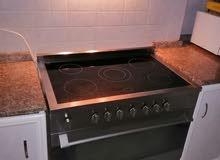 للبيع فرن كهرباء 5 رؤوس نظيف جدا استعمال خفيف