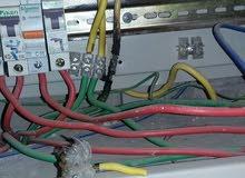 كهربائي منازل متفرغ ومتجول في عمان للصيانة واصلاح اعطال الكهرباء الطارئة ونجار صيانة الاثاث