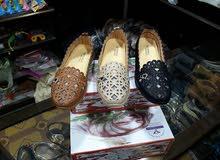 حذاء نسائي طبي وحذاء نسائي عالي وحذاء رياضي