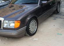 Mercedes Benz E 200 1991 For sale - Brown color