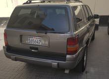 للبيع جيب جراند شيروكي موديل 1998 v6 بحالة جيدة