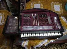 بيانو  طقم سكاكين وشوك ومعالق الماني جديد