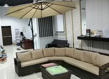 جلسات خارجية ومراجيح ومظلات