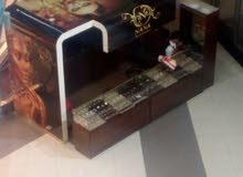 بوث للبيع بجانب كارفور ضاحية الأمير حسن بسعر مغري جدا