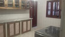 منزل دور تانى فى سوق الجمعه الغرارات مساحه فوق 200 مكيف ومطبخ كامل