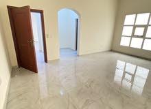 للايجار شقة نظيفة جدا 4 غرف وصالة طابق ارضي في الشوامخ