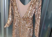 فستان ذهبي جديد